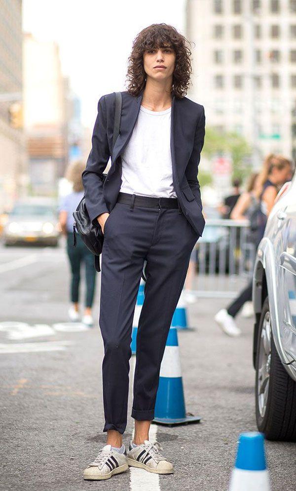606cad036e Terninho azul em street style look com tênis branco Adidas