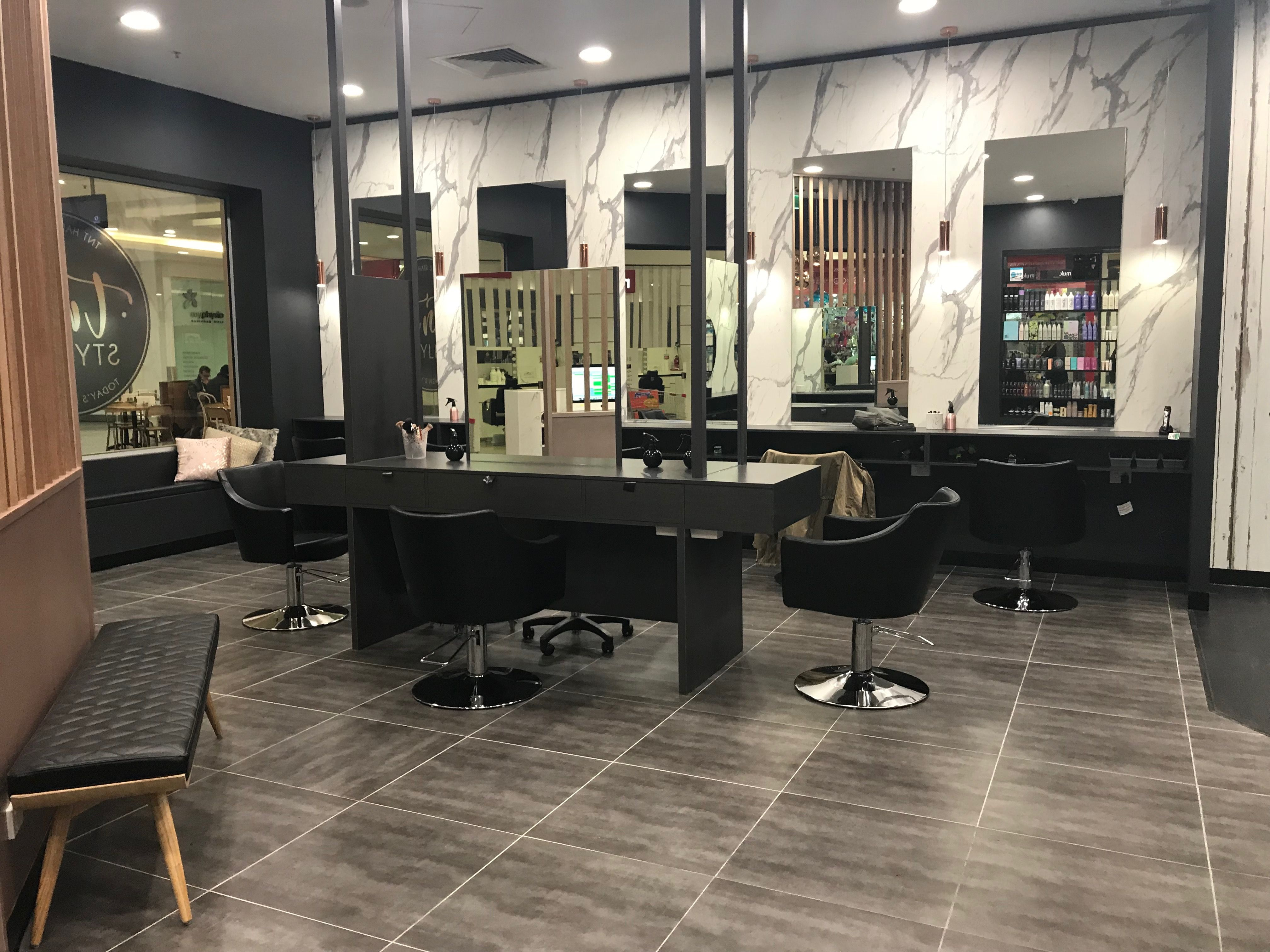Salon Fit Out Black And Rose Gold With Marble Black Rosegold Salon Beauty Room Salon Stations Salon Design
