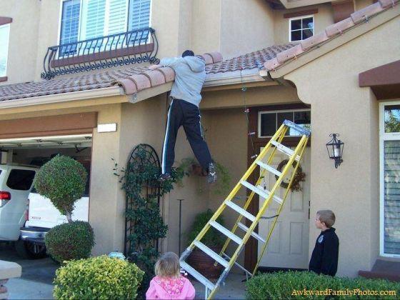 Awkwardfamilyphotos Com Roofing Roof Maintenance Dangerous Jobs
