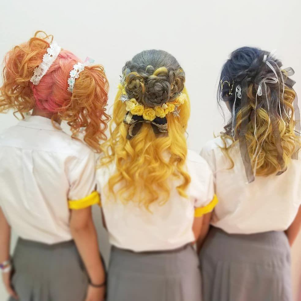 大船高校 六国祭ブリーチ カラー ヘアセット全部きてくださいました 去年に引き続きありがとうございます ラチャウ 藤沢 湘南 ヘアセット 盛り髪 体育祭 大船高校 体育祭ヘア 六国祭 ブリーチ マニパニ 編み込み ツインテール ハーフアップ リボン 黄色組 黄団 Jk