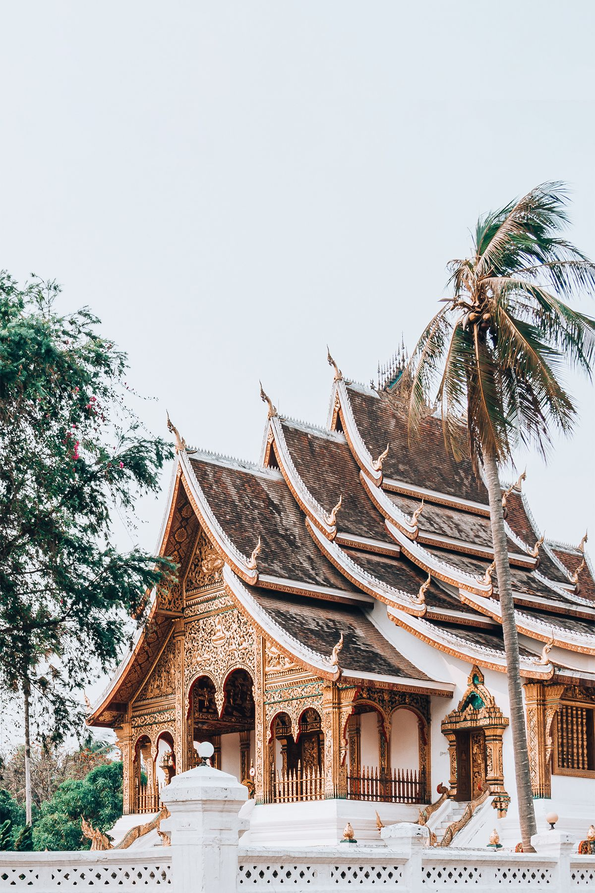 Luang Prabang Aus Der Zeit Gefallen In 2020 Luang Prabang Laos Reisen