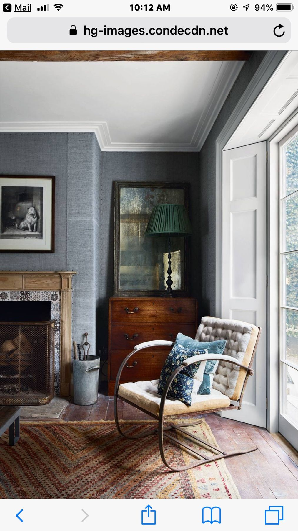 Very Small Living Room Design: This Very Small #livingroom Is Made Snug, Comfortable