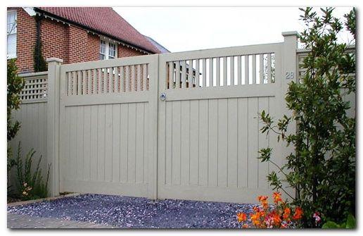50 Classic Wooden Gates Will Make Your Home Look Great The Urban Interior Wooden Garden Gate Garden Gates And Fencing Wooden Garden