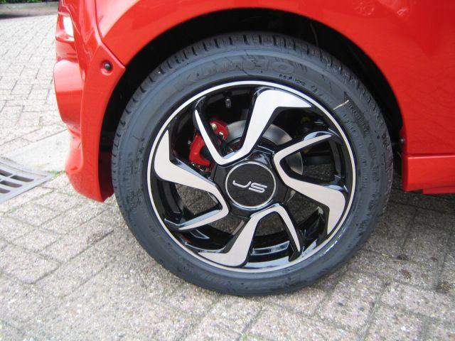 Ligier Js50 Type Hatchback 3 Drs Kleur Rood Metallic Toledo