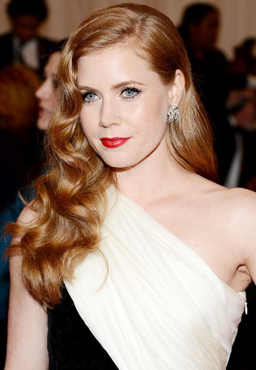 How To Create Old Hollywood Waves Like Amy Adams How To Be A Redhead Womens Hairstyles Hair Waves Hair Styles