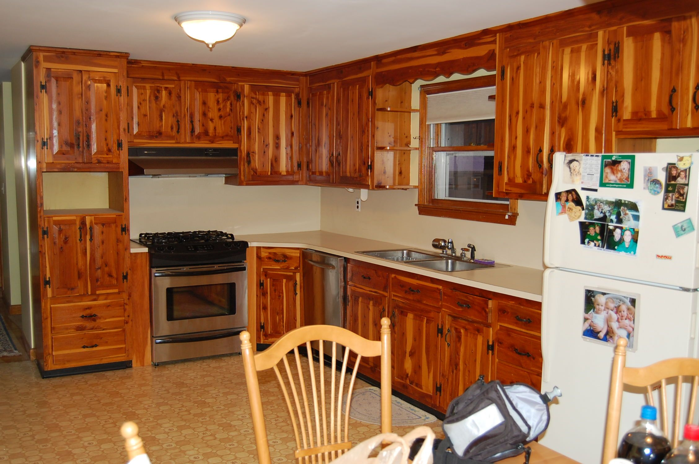 How to Resurface Cabinets and Refinish Kitchen Cabinets ...