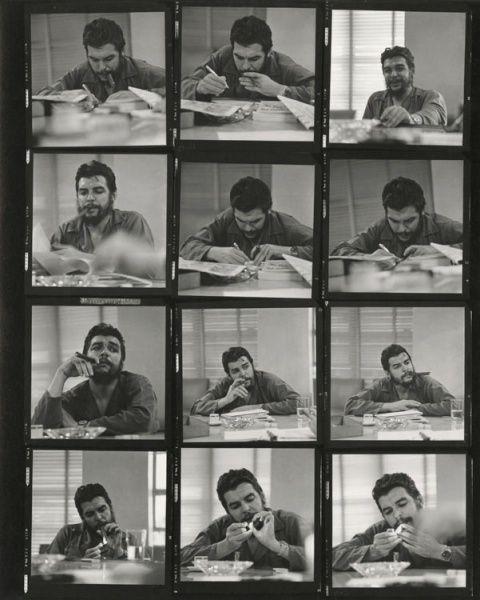 FOTO CHE GUEVARA NEL 1964 NEL SUO UFFICIO