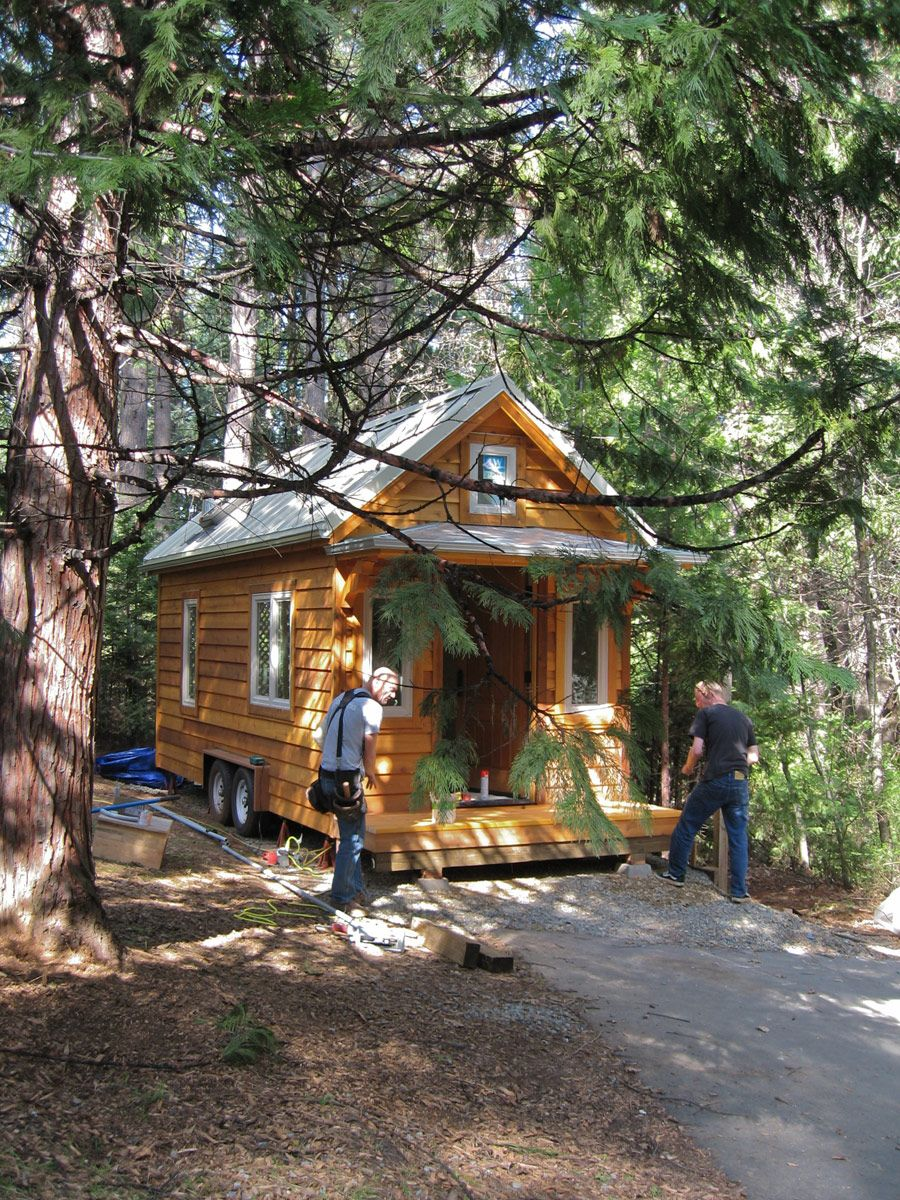I suppose if you're gonna have a house on wheels, you might as well make it look like a real house! Tiny House Swoon
