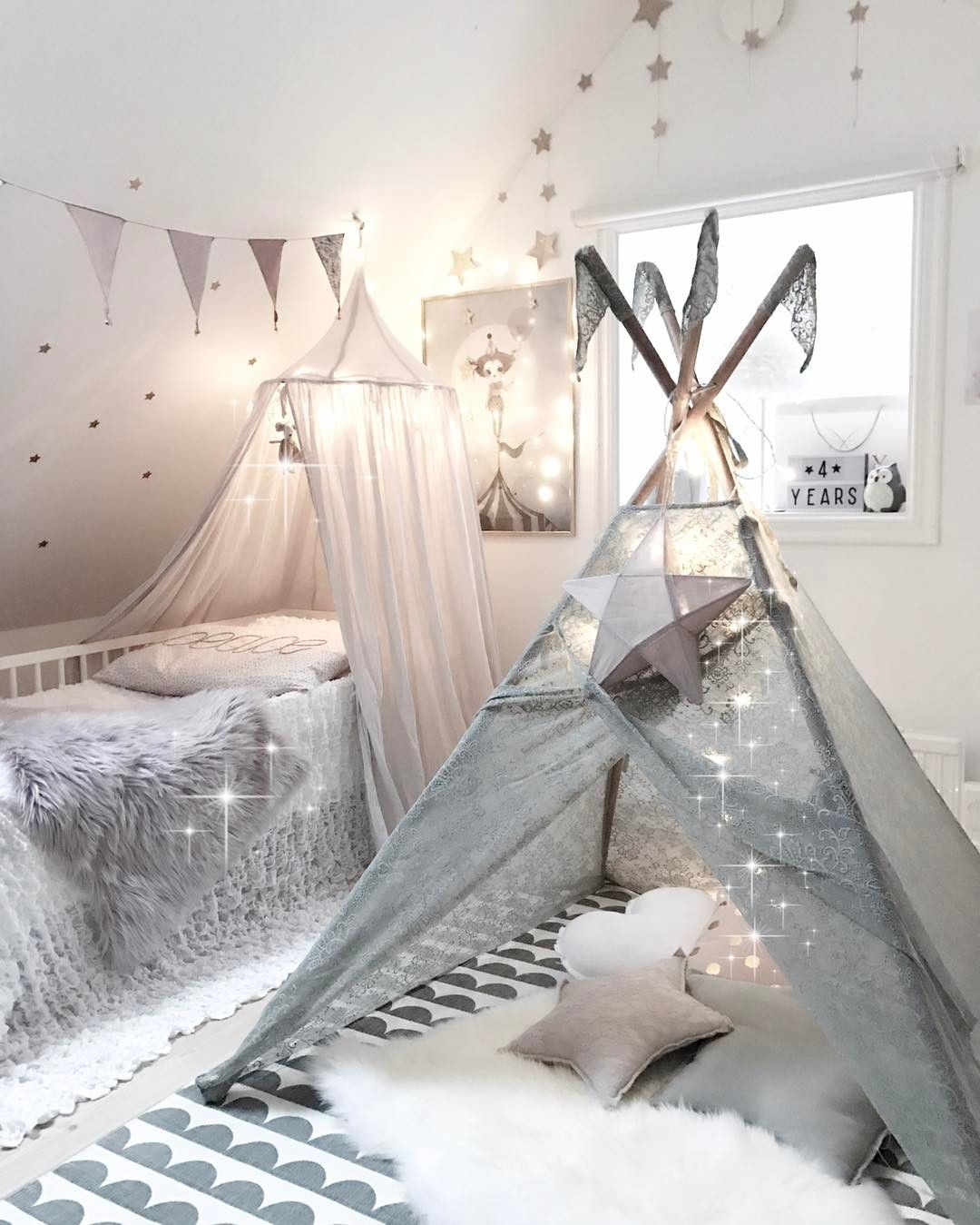 Teepee Time O Clock Numero74 Lace Baroque Silver Grey Teepee Adorned With Stars And Magic This Room S Girls Bedroom Small Room Bedroom Teenage Girl Bedrooms