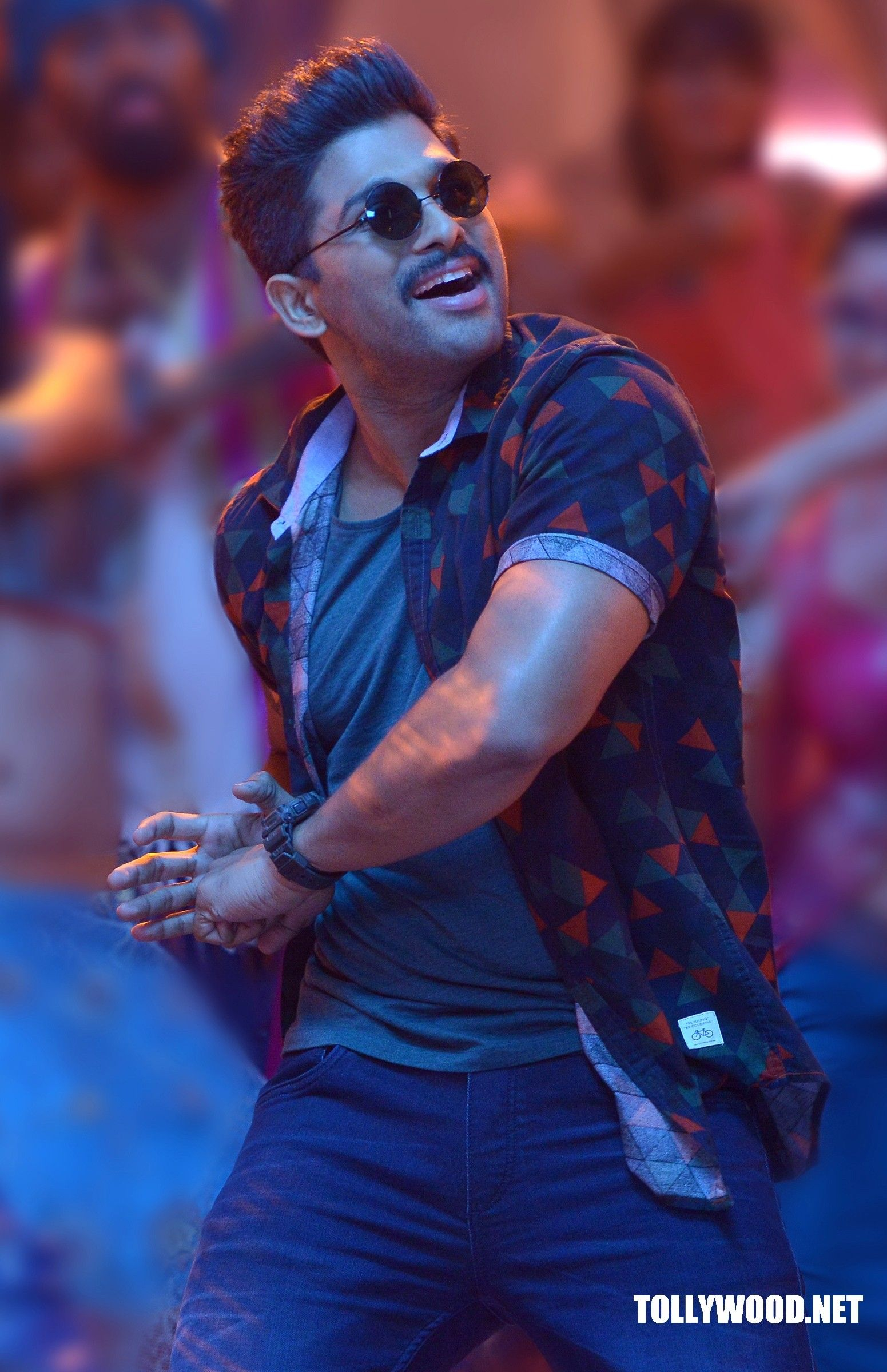 sarrainodu movie new pic | tollywood gossips | pinterest | movie