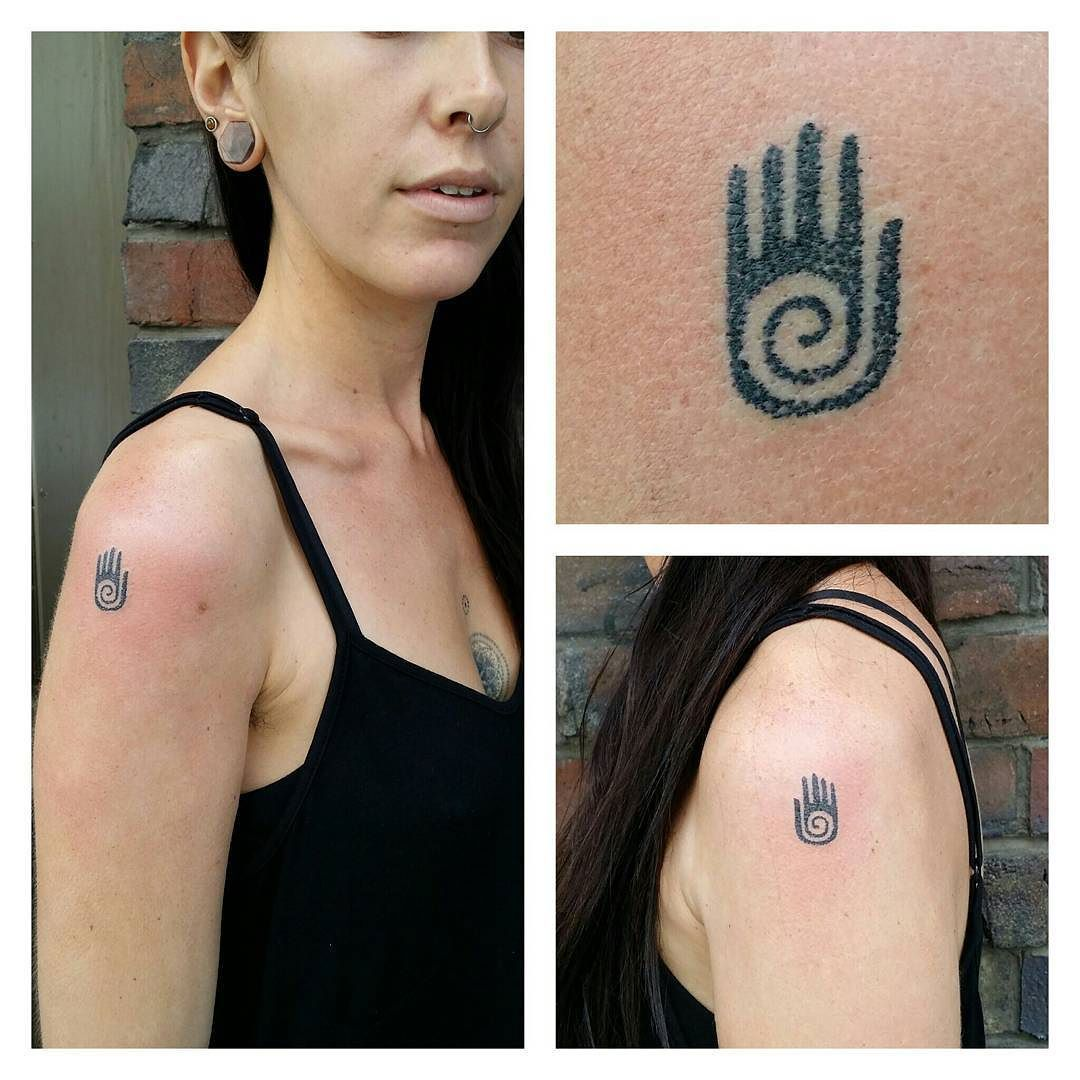 Fresh Wtfdotworktattoo Find Fresh From The Web The Hopi Hand The Symbol Of Healing And Creativity From The Native A Hand Tattoos Tattoos Native American Shaman