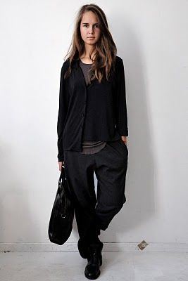 vestiaire de cle : the pants. the cardigan. the outfit!
