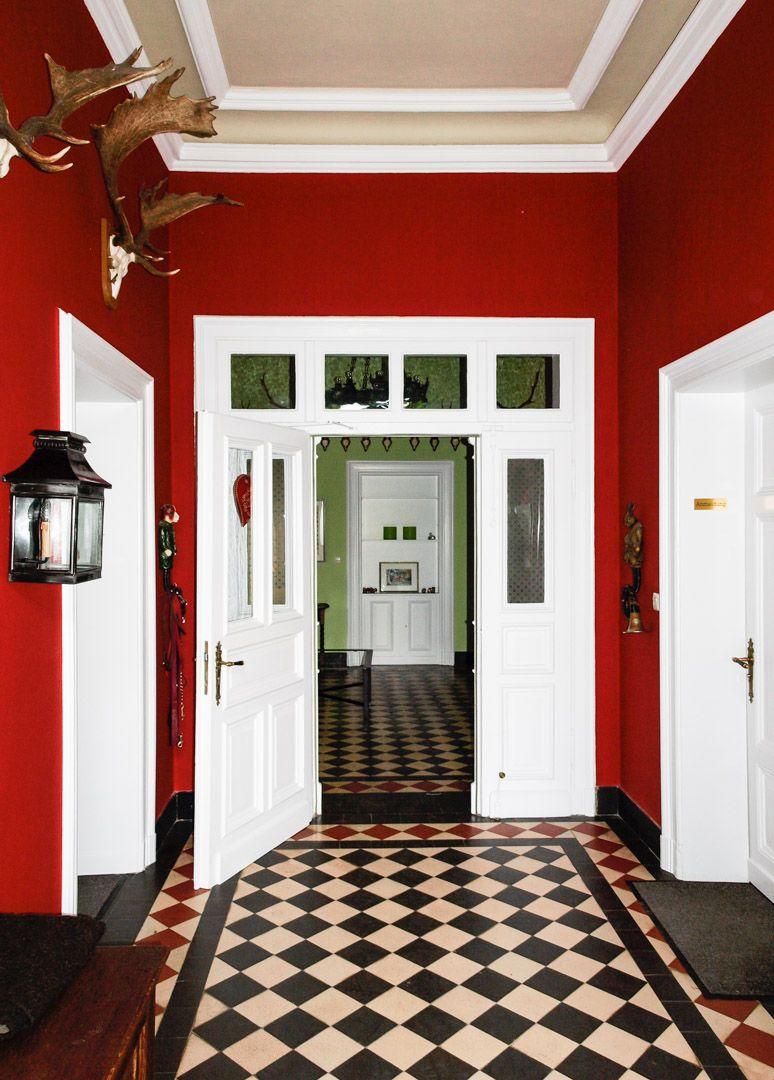 Wandfarbe Rot, Roten Wände, Wintergarten Ideen, Wandfarben, Altbau, Treppe,  Inneneinrichtung