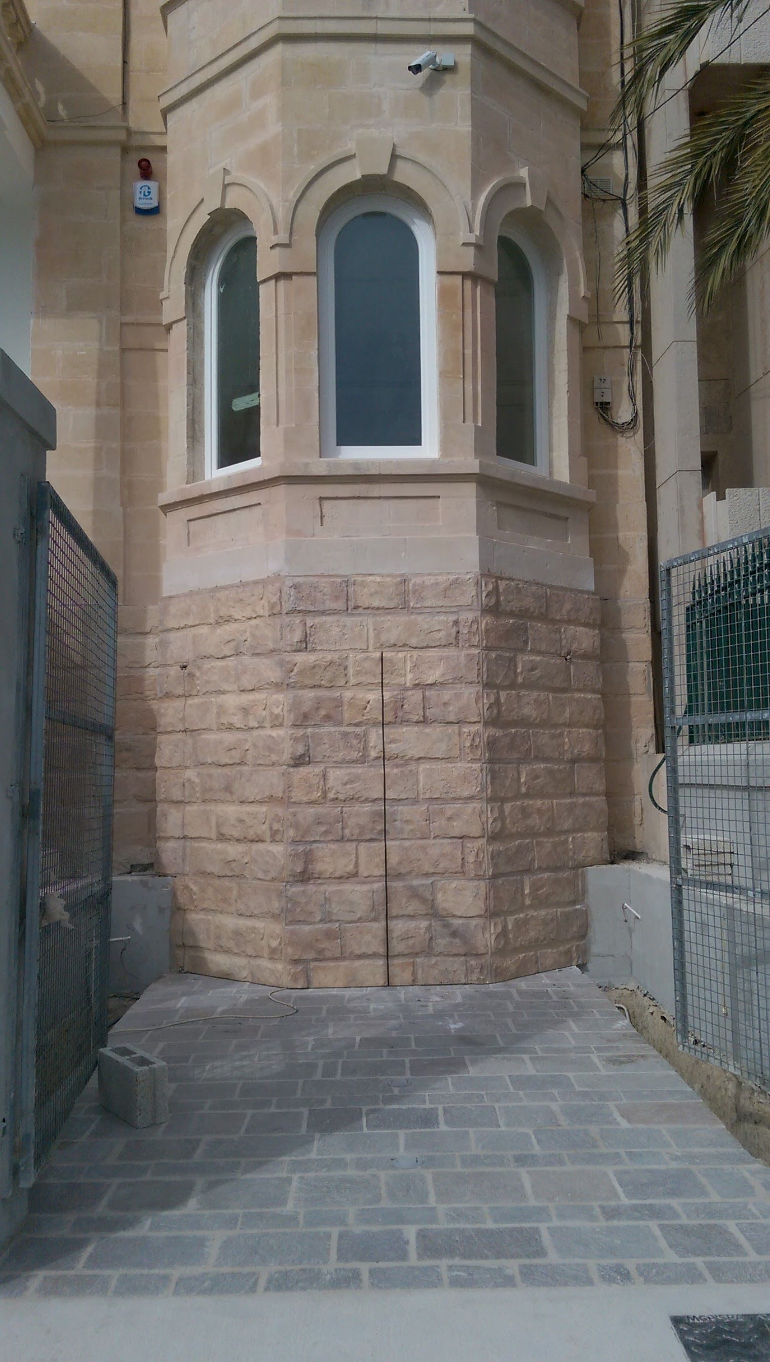 Garage door with wall panelling cladding Villa in TaXbiex