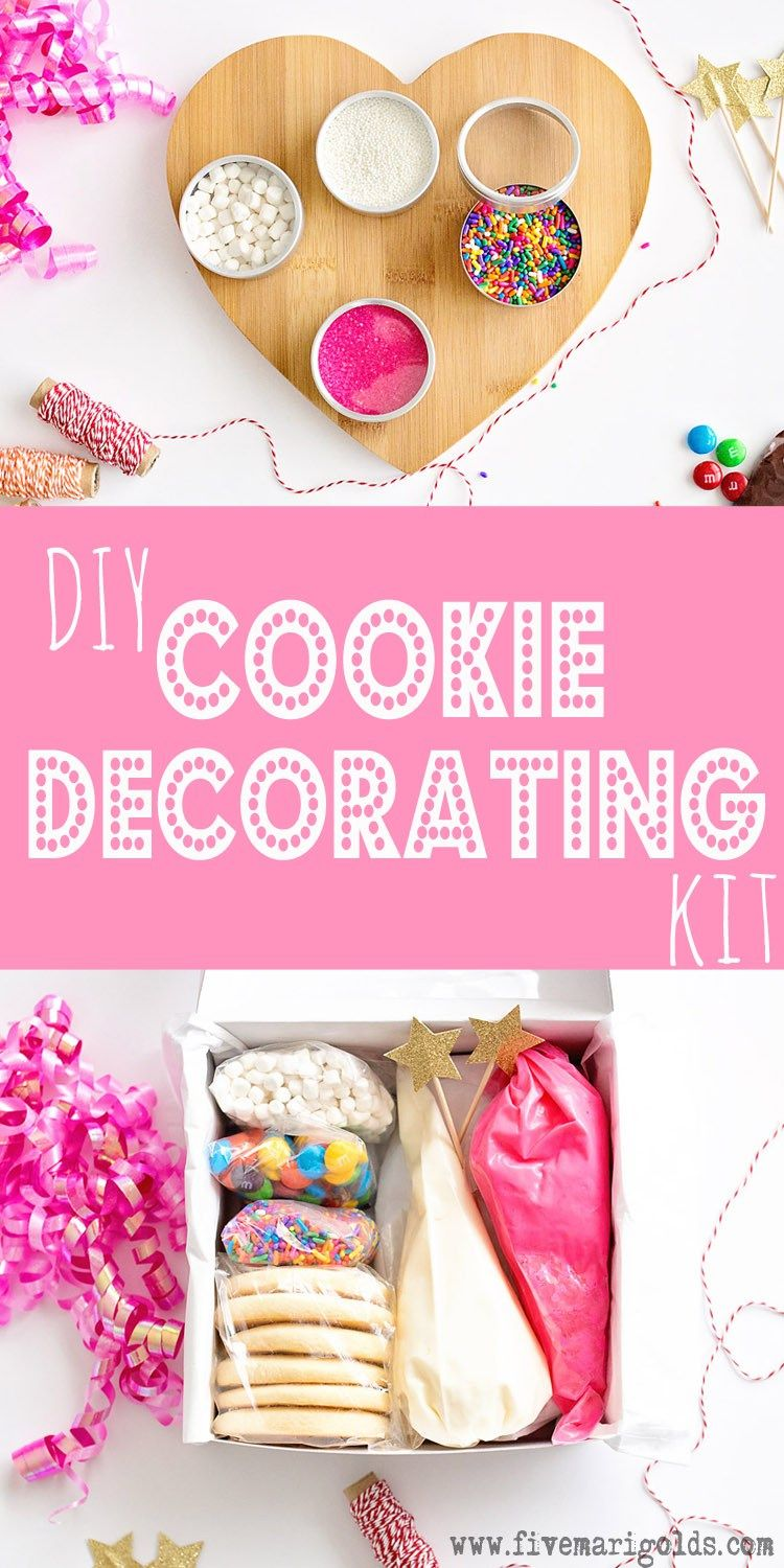 Great family gift idea: DIY cookie decorating kit. Include ...
