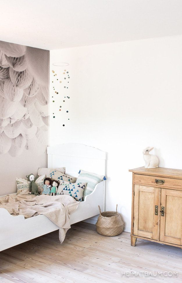 A beautiful and simple girls room - so chic!