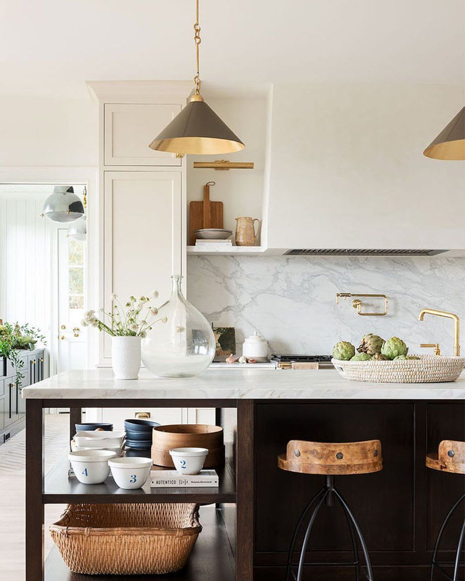 "KristyWoodsonHarvey/DesignChic on Instagram: ""@studiomcgee designs the most beautiful kitchens. Love the pendants! • • • •  #interiordesigner #interiors #bhg  #traditionalhome…"""