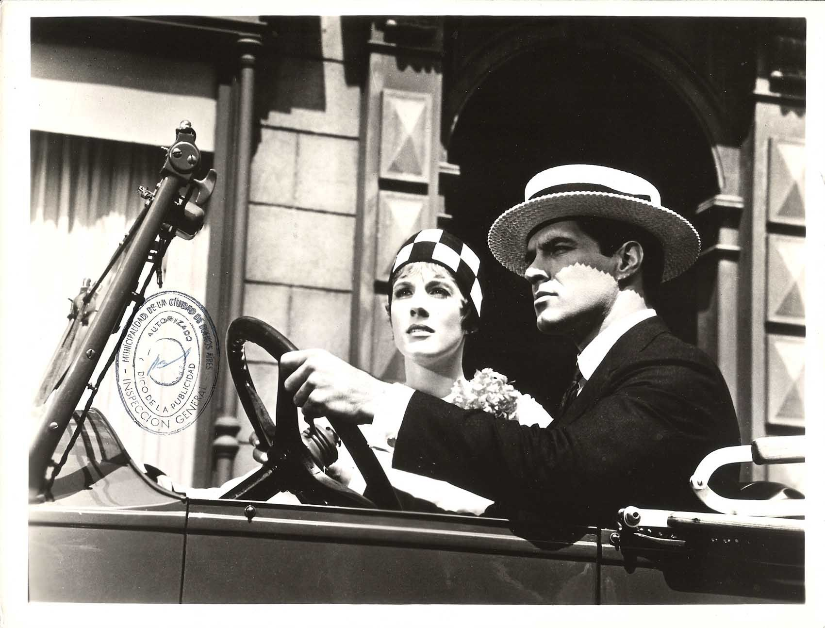 Julie Andrews And James Fox In Thoroughly Modern Millie Directed By Julie Andrews John Gavin Movie Photo