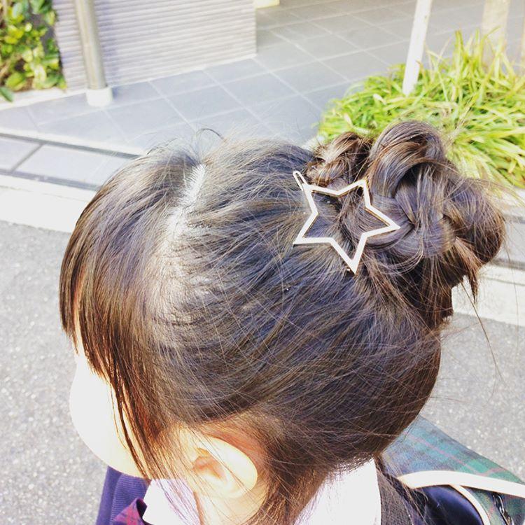 おだんごに星を付けてみました 子供の髪型 ヘアアクセサリー ヘア
