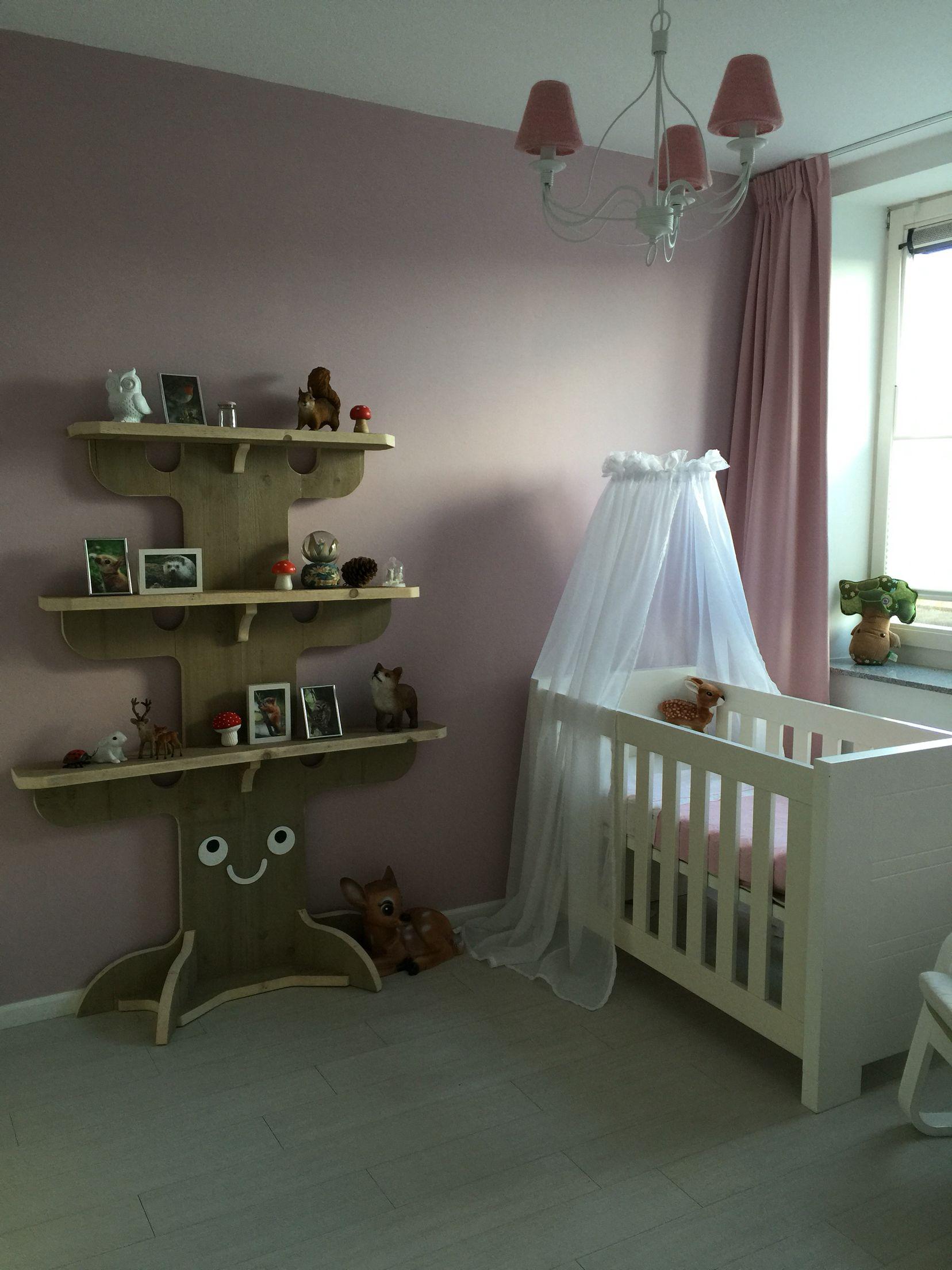 Babykamer meisje thema bos