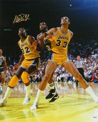 premium selection 6e918 51e65 Magic Johnson signed Los Angeles Lakers 16x20 Photo (vs ...