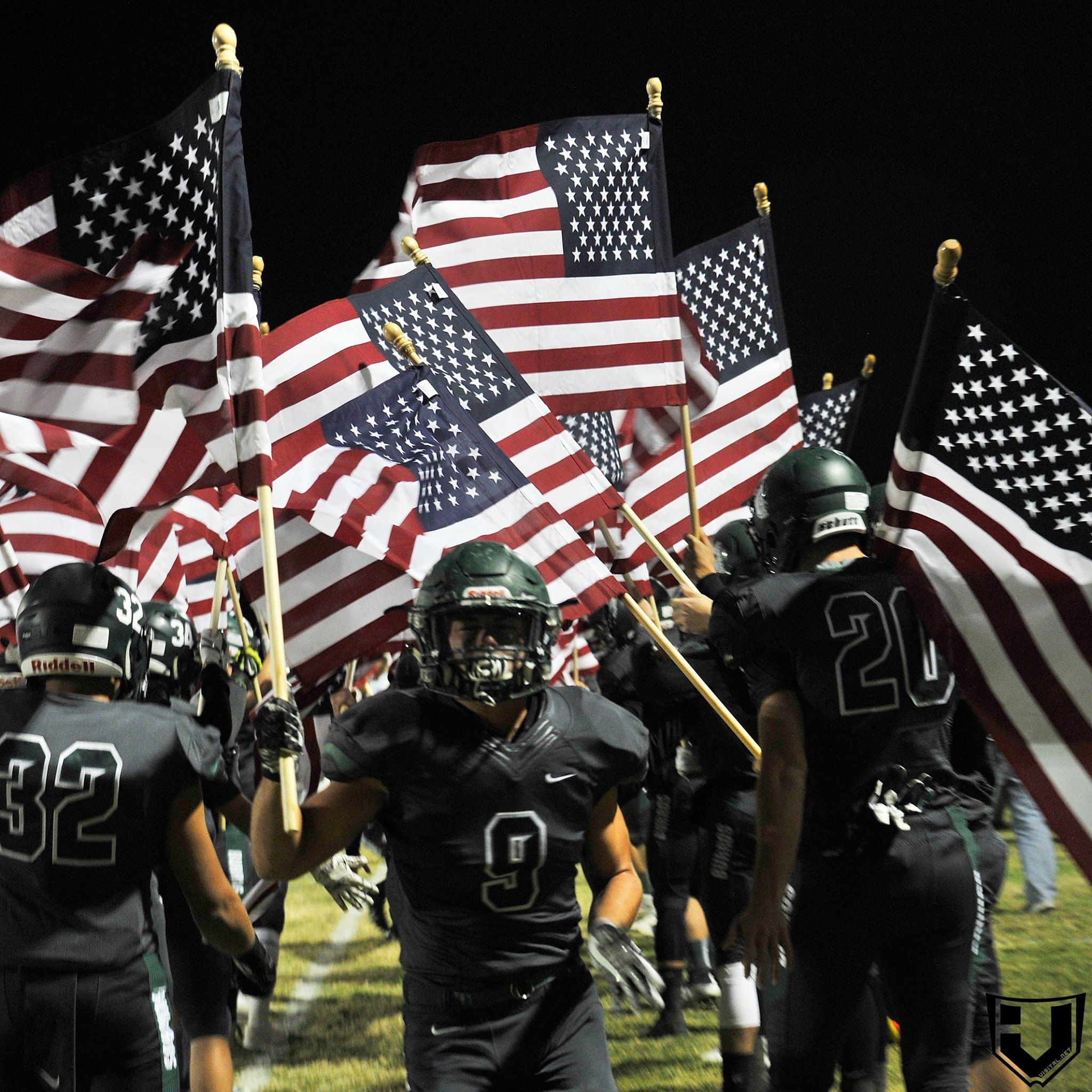 Video In A Day And Age Of Kneeling Southern California High School Team Salutes The Flag California High School High School Football Football America