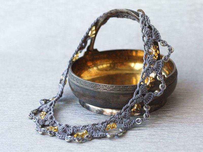 Halsband häkeln mit Glasperlen kurze Kette Boho | Halsband, Boho und ...