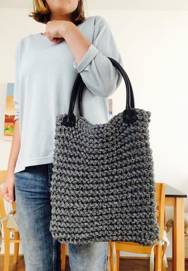 Chunky knitted bags