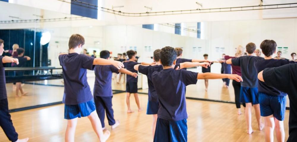 Gallery The Ravensbourne School In 2020 School Photography