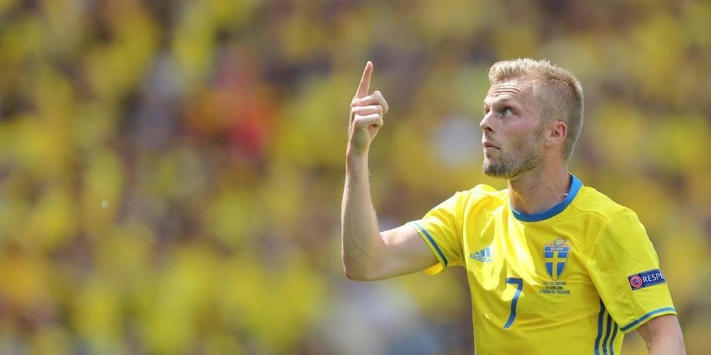 Matchen mot Belgien är en måstematch för Sverige. Vinna eller försvinna. Pressen på spelarna är enorm. – Det är inte mycket att vinka på nu, säger Sebastian Larsson.
