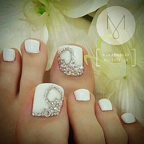 White Rhinestone Toe Nailart Wedding Toe Nails Pretty Toe Nails Wedding Toes