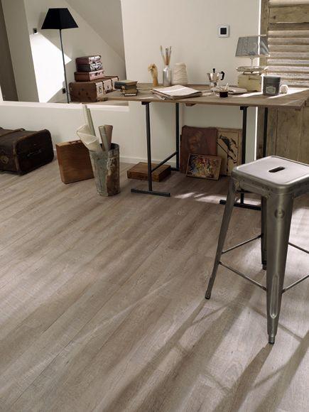 Lama Vinilica Autoadhesiva Tarkett Floors Starfloor Vintage Smoked Oak Light Grey Tienda Online Leroy Merlin Flooring House Flooring Smoked Oak Floor