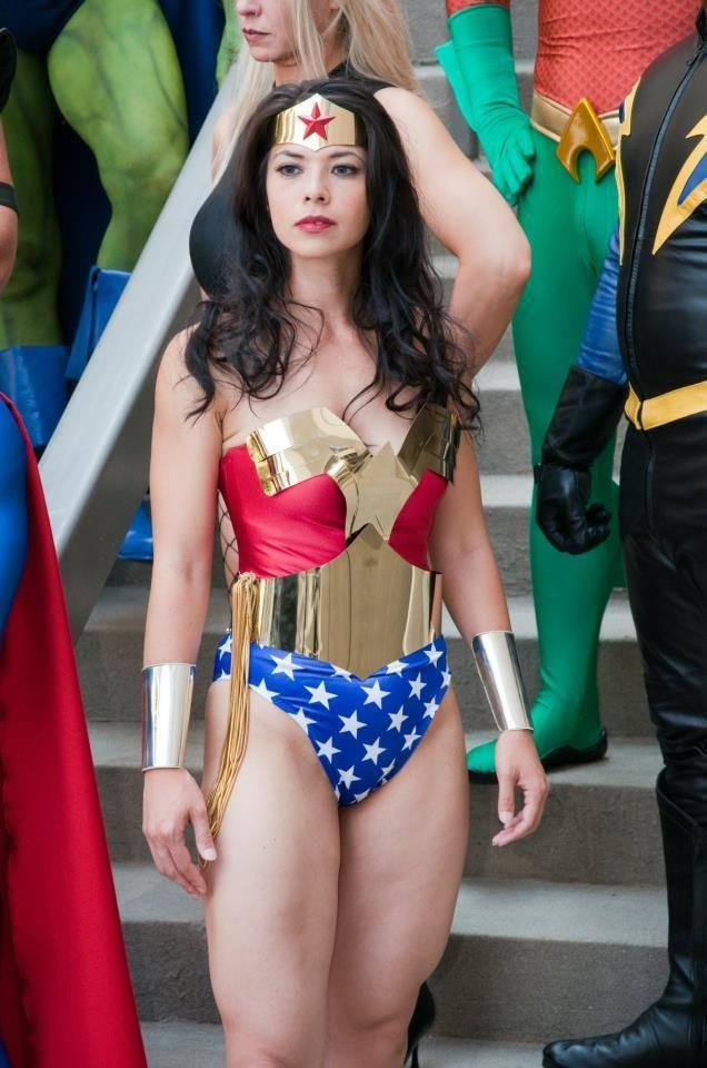 Cosplay Babes Wonder Woman Her Legs Omg