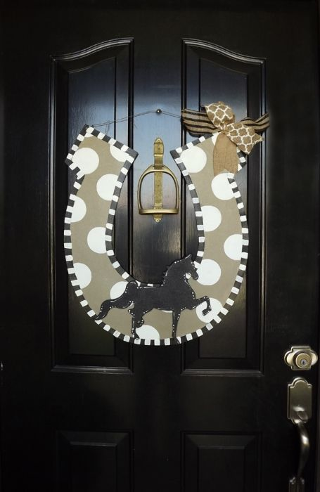 Horse Shoe Door Hanger - Year Round | The American Saddlebred Museum