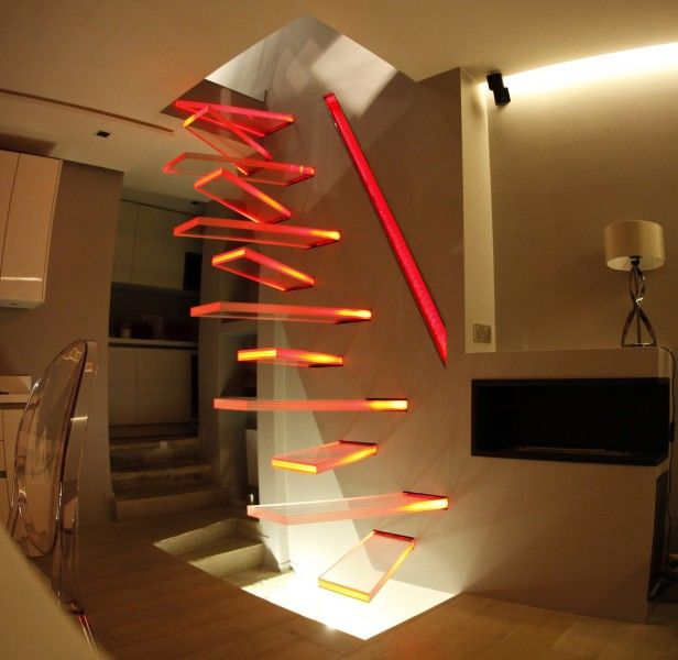Escalier droit en porte-à-faux modèle \