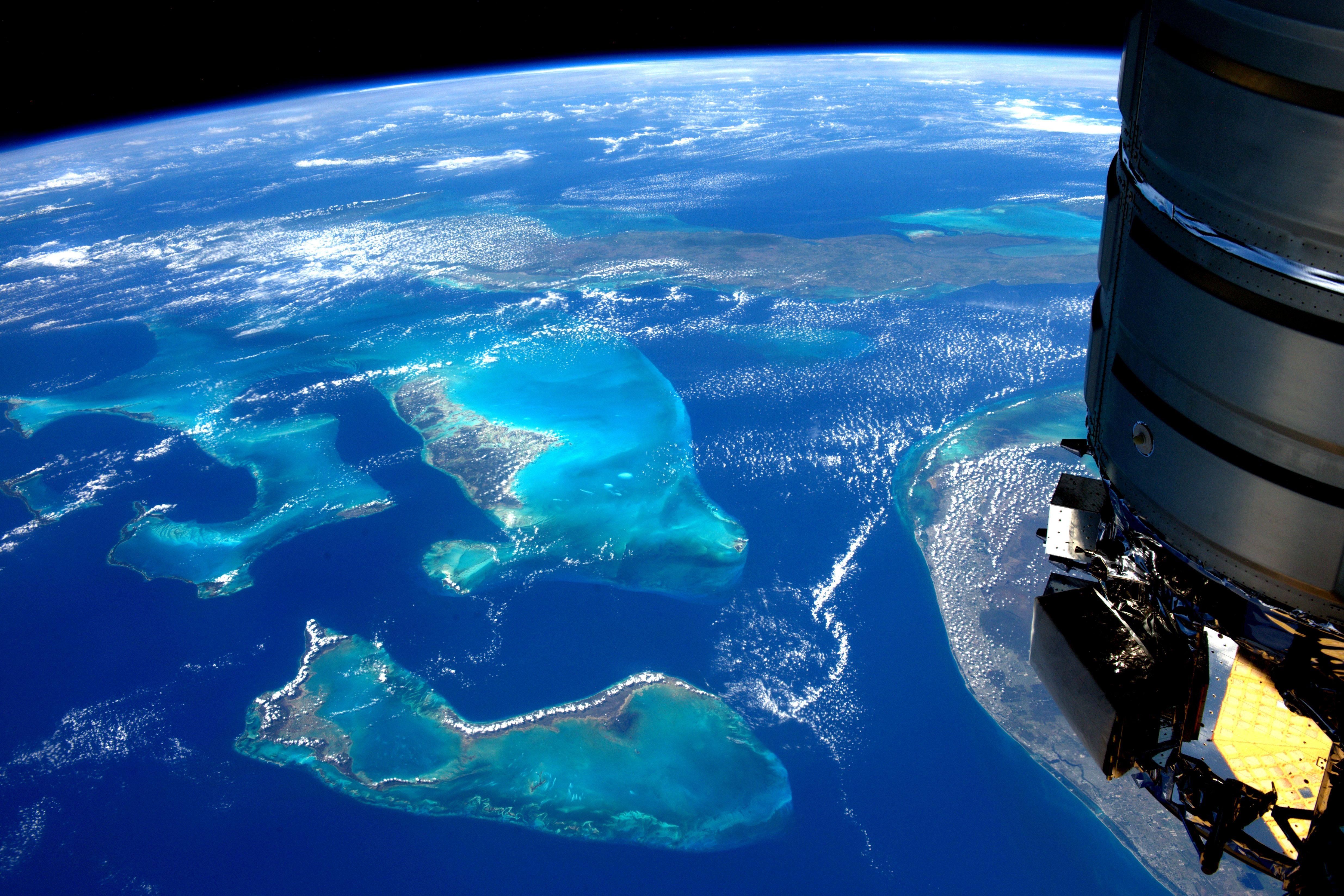 Thomas pesquet astronaute fran ais sur l 39 iss la terre for Iss espace vert
