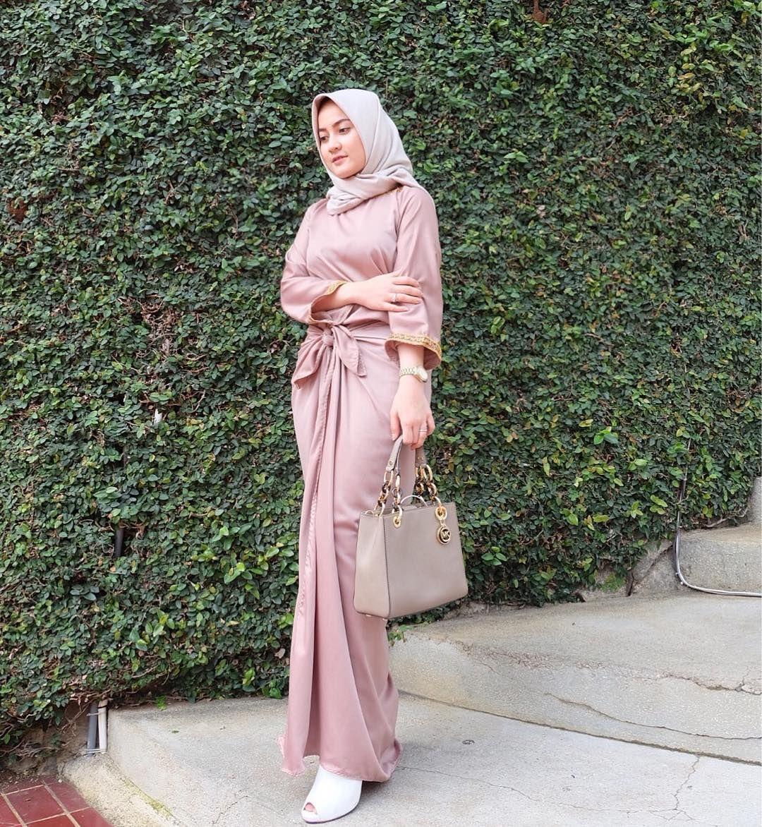 Pin By Asiah On Muslimah Fashion Hijab Styleniqab In 2018 Chocker Slice Top Blouse Baju Atasan Wanita Bl899 Style Abaya Modest