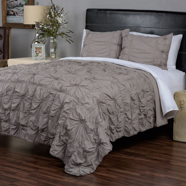 Sweet Dreams Grey Hand Knotted Twist 3 Piece Quilt Set By