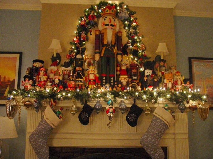 Great Decorating With Nutcrackers For Christmas | Mantle With Nutcrackers |  Christmas Decor Home Design Ideas