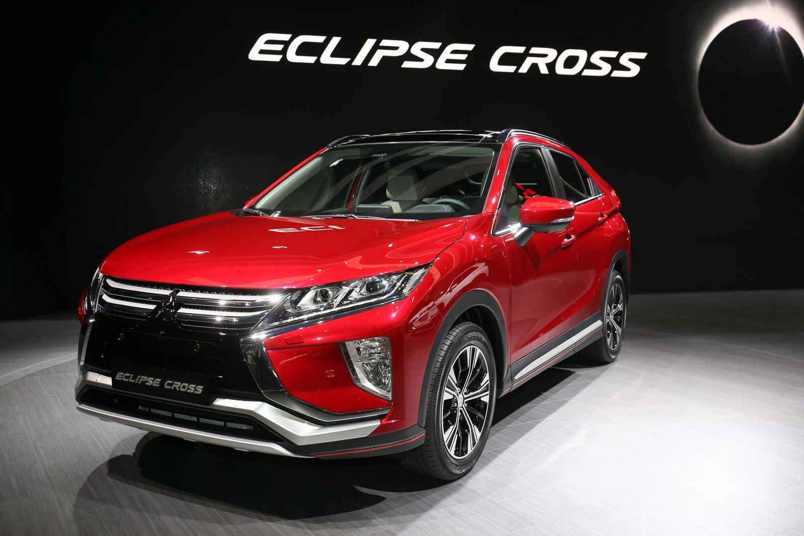 New Mitsubishi Eclipse Cross Debuts At Geneva Motor Show Mitsubishi Eclipse Mitsubishi Geneva Motor Show