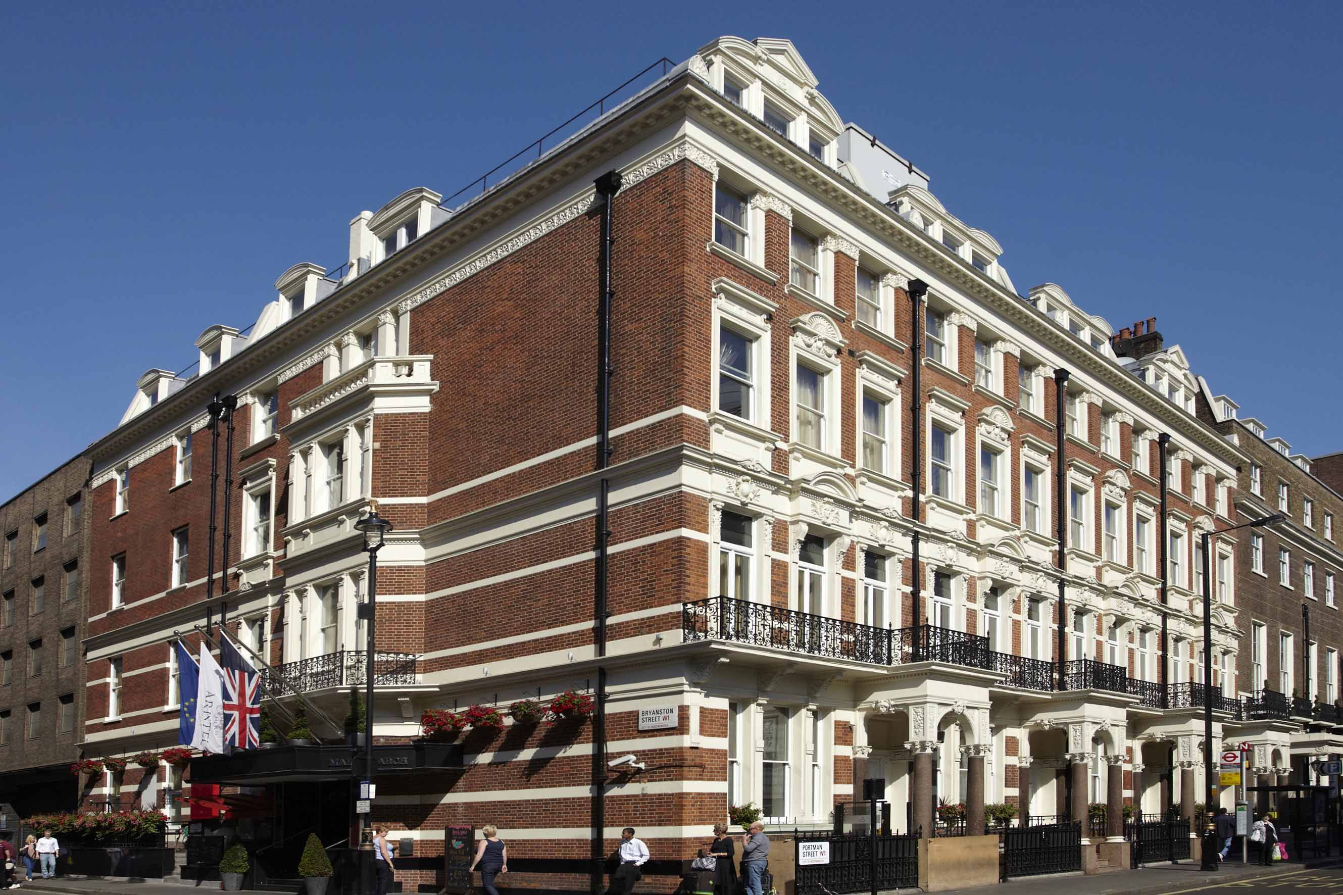 Doubletree By Hilton Hotel London Marble Arch Hilton Hotel London London Attractions Marble Arch London