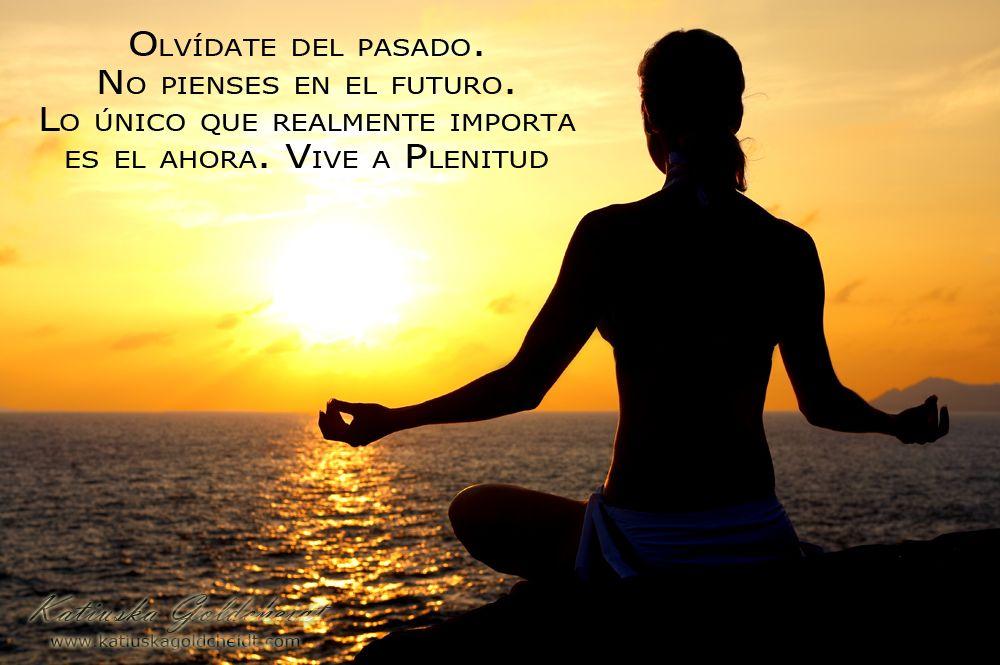 Cuando vives la vida con amor, plenitud y felicidad, las cosas buenas vienen a ti de forma natural...sigue http://katiuskagoldcheidt.com/vive-a-plenitud/