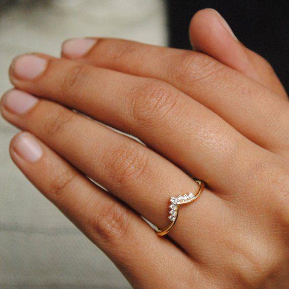 Chevron V Stackable 14k Gold And 7 Diamond Wedding Band Tiara Etsy Diamond Wedding Bands Unique Diamond Rings Flower Diamond Ring