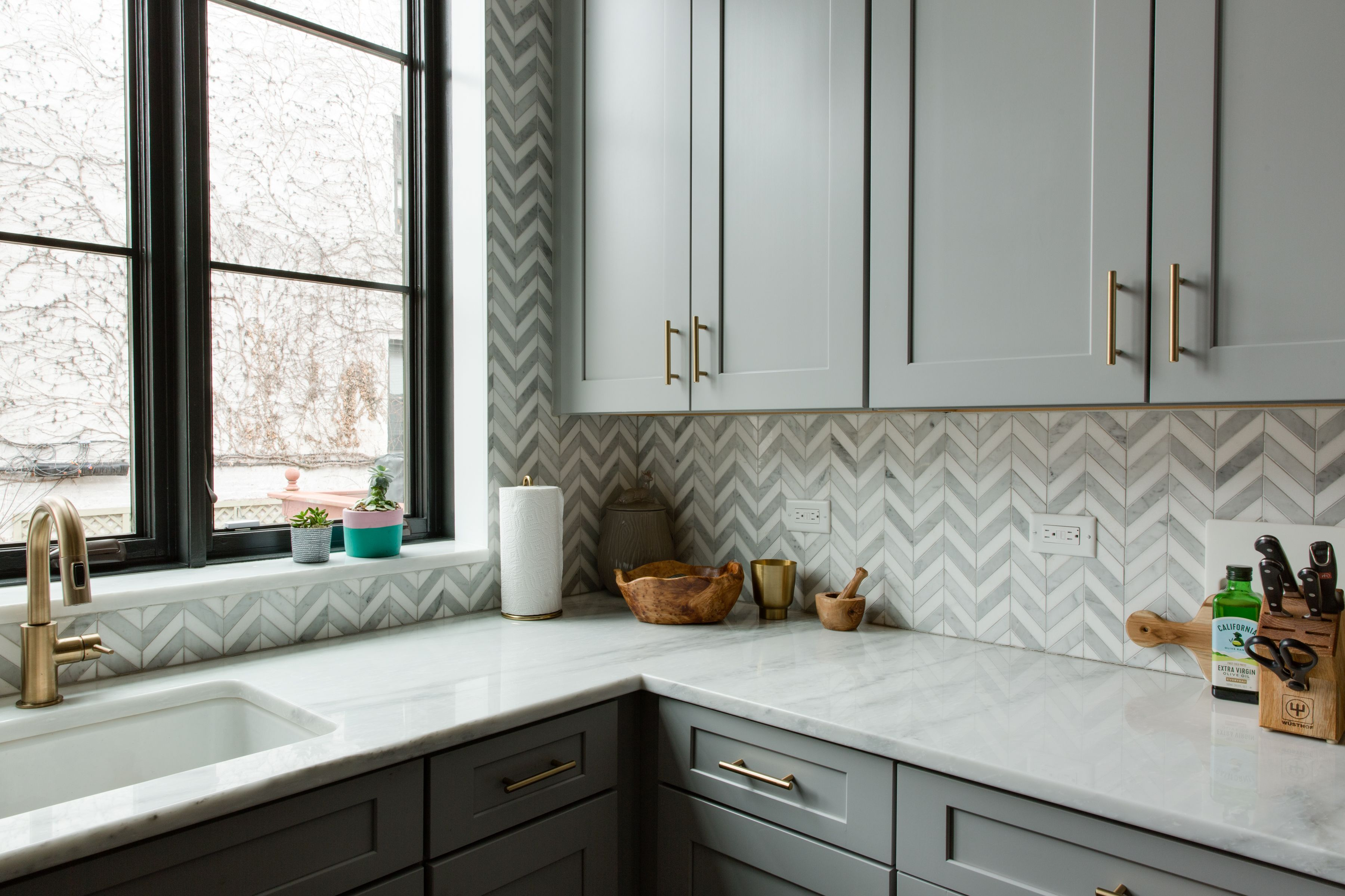 This Brooklyn Brownstone S Bold Remodel Is Extraordinary Kitchen Sink Remodel Kitchen Remodel Small Diy Kitchen Remodel