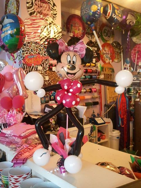 Minnie Mouse Table piece! Love this! By Celebrations Party Store in