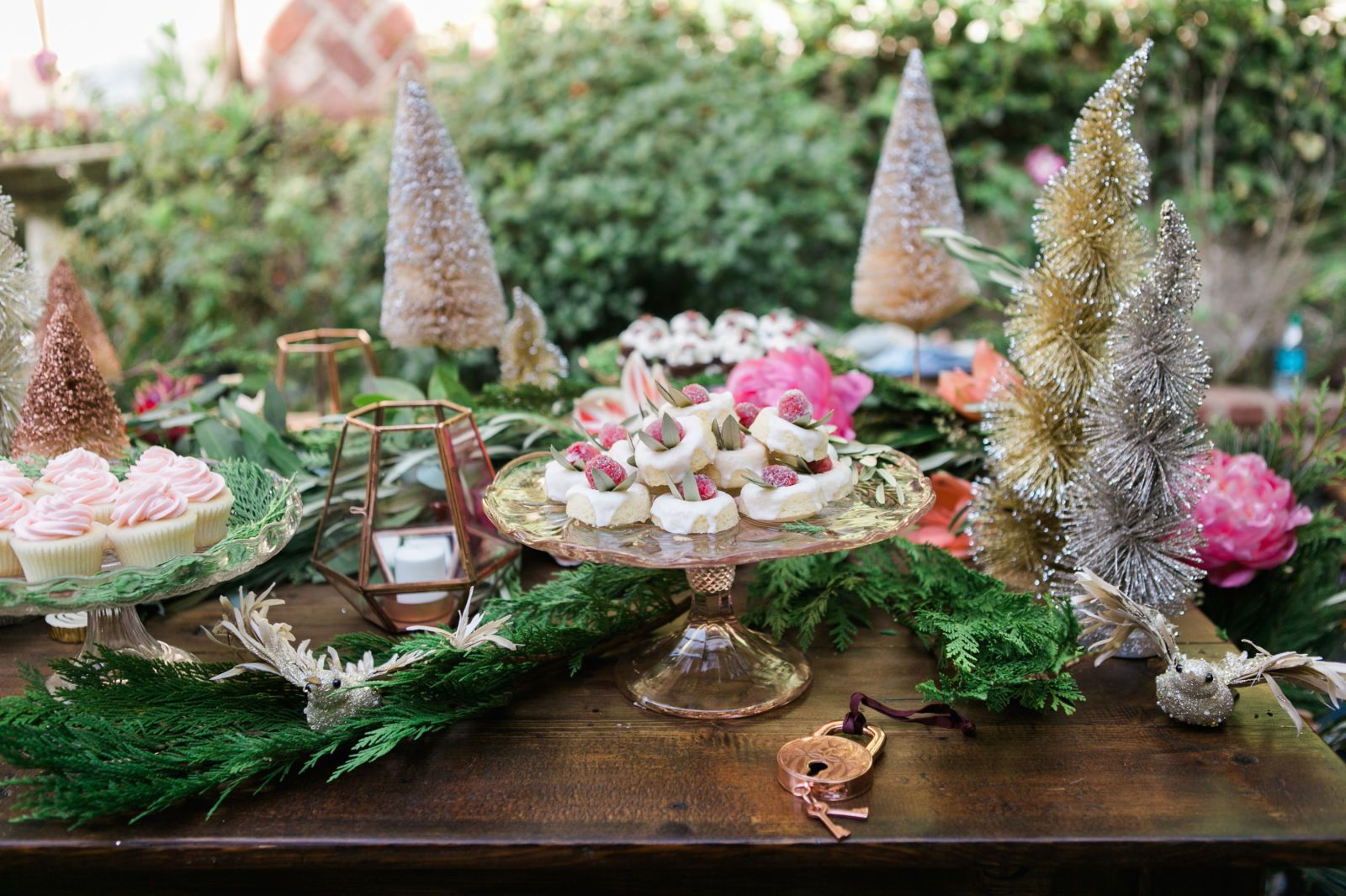 decorating your office for christmas. Turn Your Spread Into A Holiday Fairytale With Enchanting, Whimsical Decor Ideas. Decorating Office For Christmas I