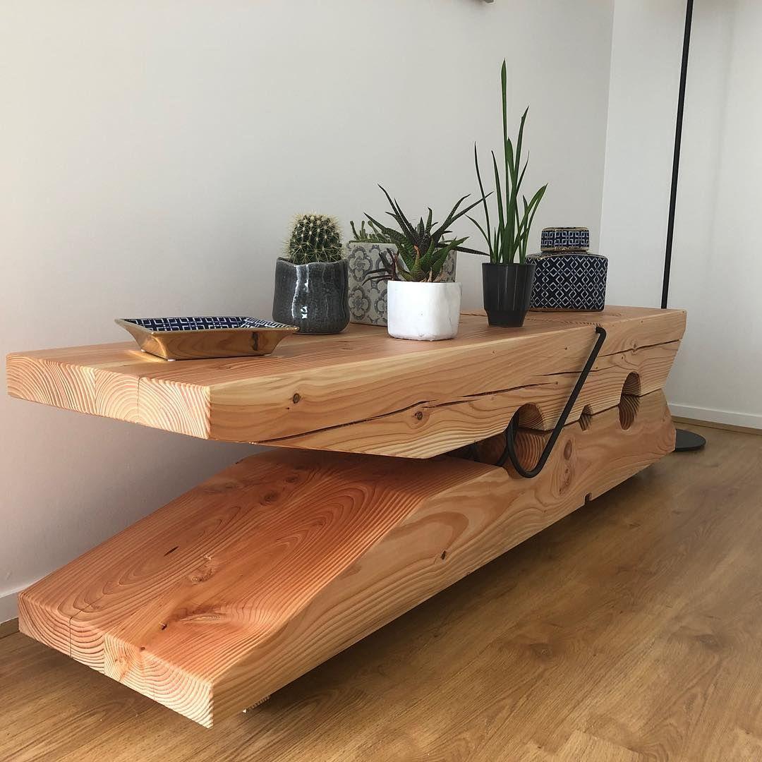 T Voici Le Dernier Projet Sorti De L Atelier Une Table Basse Originale En Forme De Pince A Linge Ebeni Idees De Meubles Table Basse Originale Deco Maison