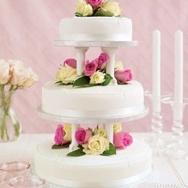 Marks And Spencer Traditional Wedding Cake We Will Use Size Medium For Top Tier Of