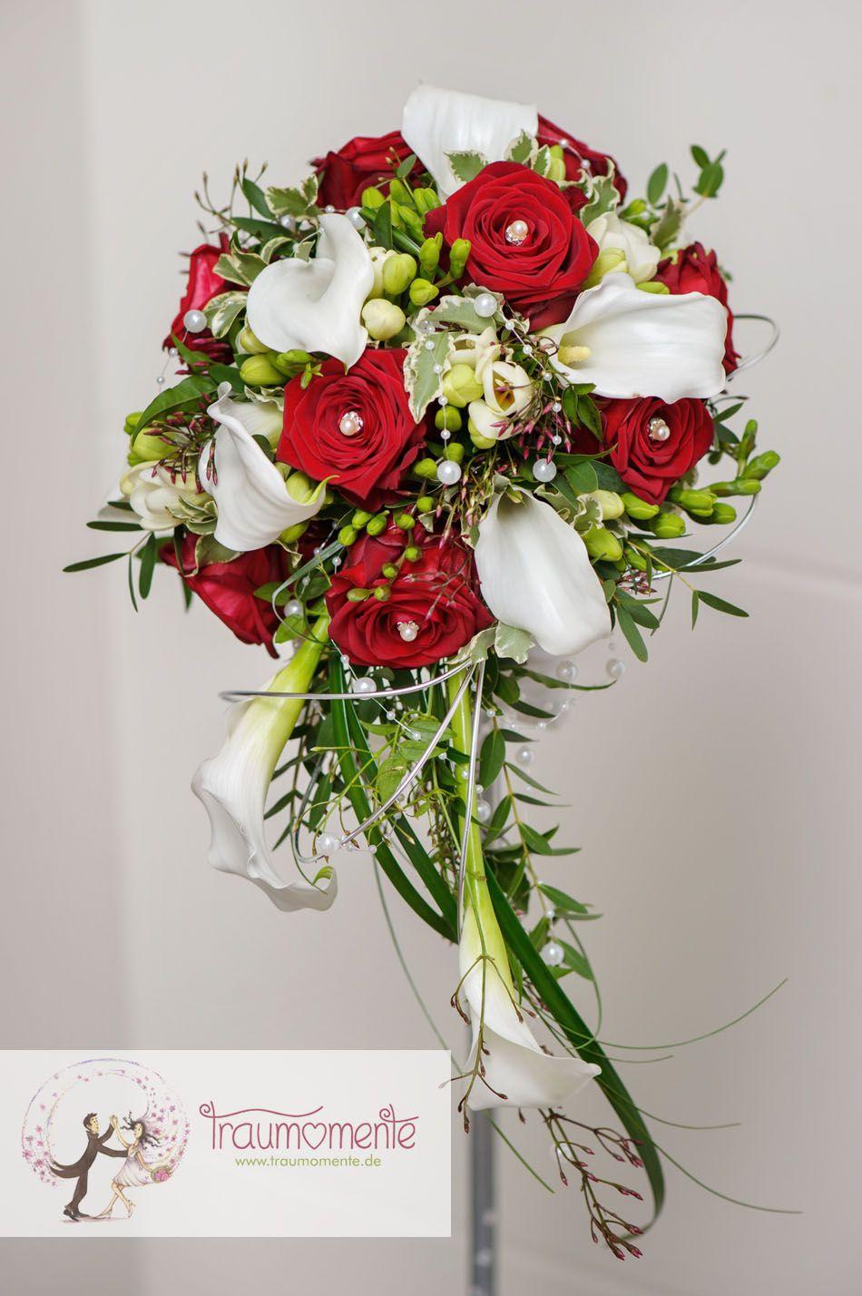 Brautstrauss mit Callas und Rosen  wwwtraumomentede  Strau  Cascading bridal bouquets