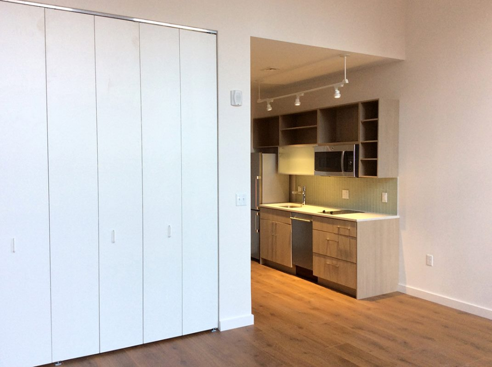 Custom Bifold Closet Doors From Landquist Bifold Doors Bifold Doors Custom Bifold Closet Doors White Bifold Doors